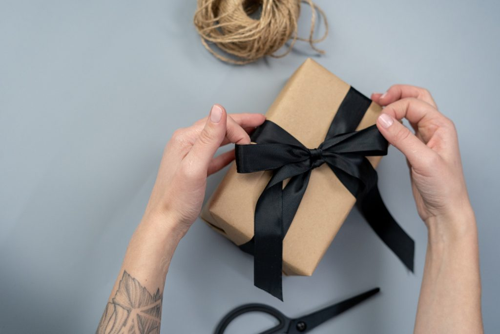 a good packaging for your online clothing store