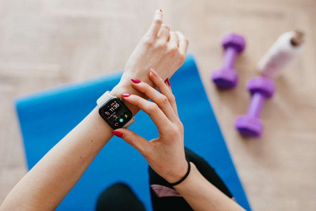 smartwatch and wearables are trending products in 2021
