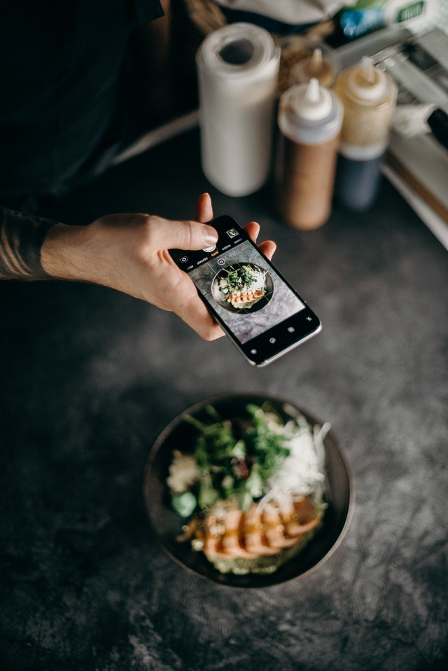 how to start a food delivery service in a small town